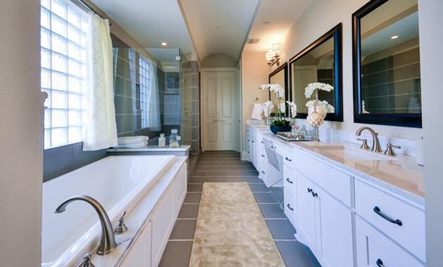 Master Bathroom - The Versailles (Design 3130)