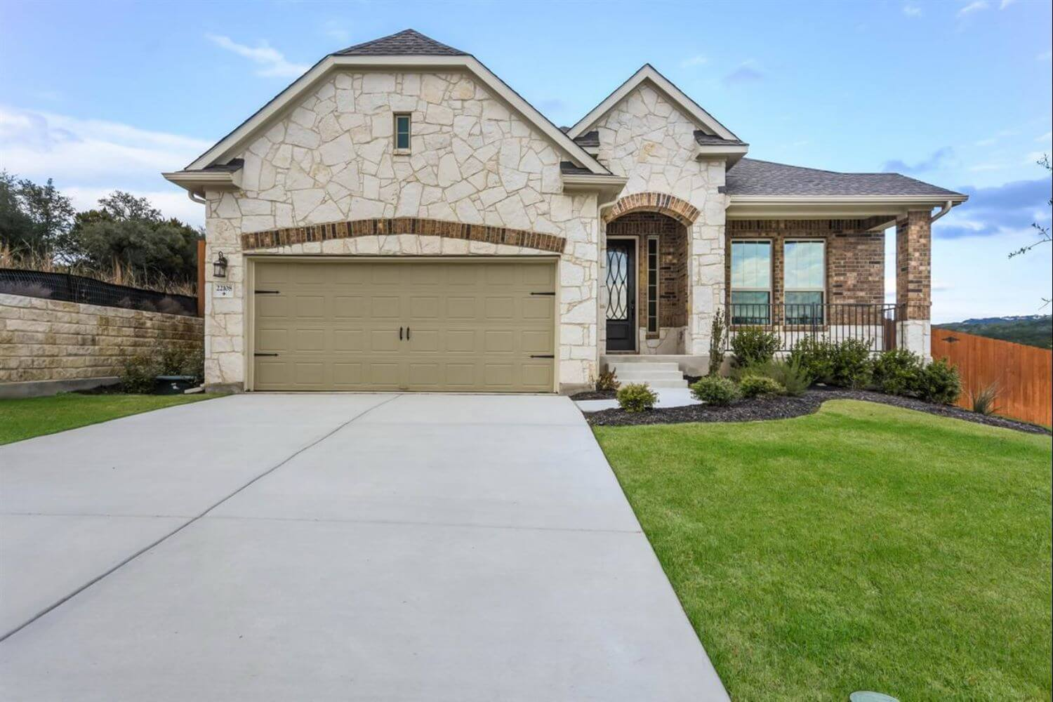 22108 Cross Timbers Bend Lago Vista