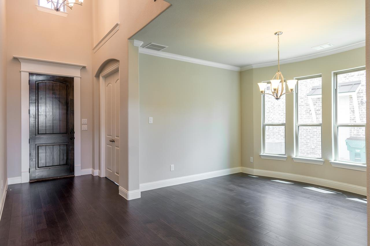 Entry / Dining Room
