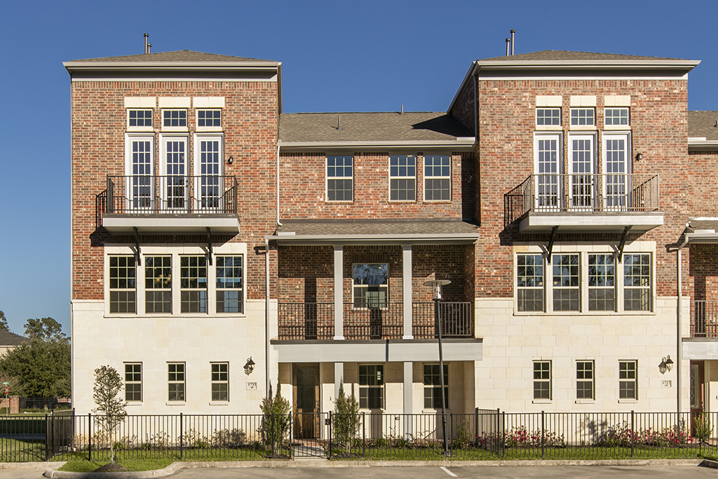 Villas at kings harbor available new home at 1731 for Houston house elevation