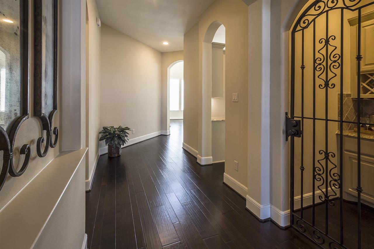 Entry / Wine Room