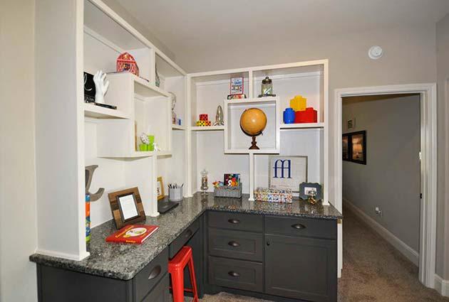 Built-in Desk