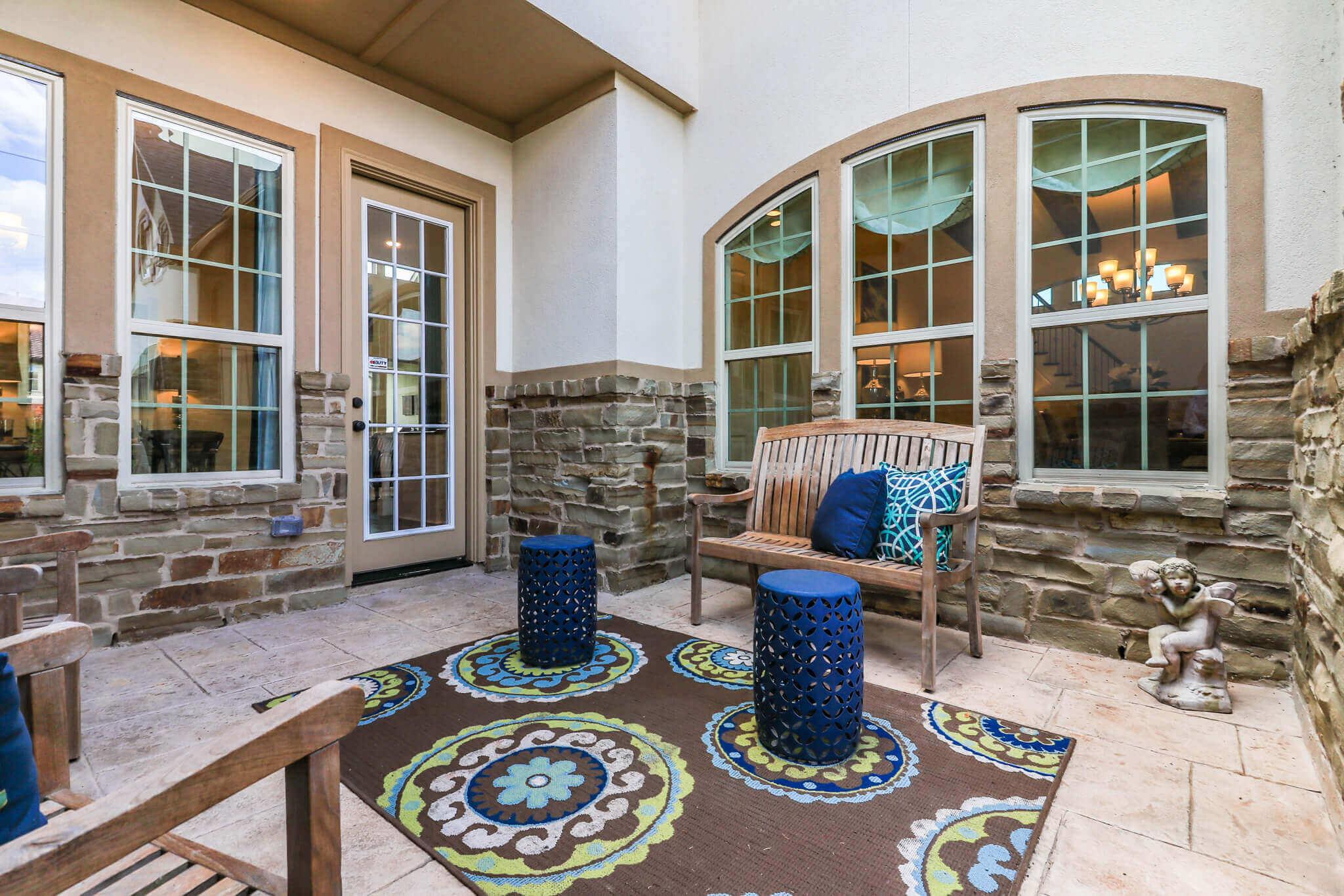 Courtyard - Design 7304